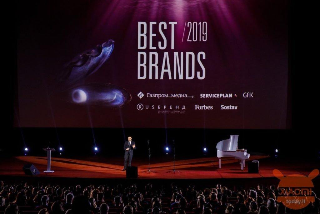 Xiaomi выигрывает награду лучшего потребительского бренда в России